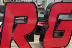 Channel letters R and G